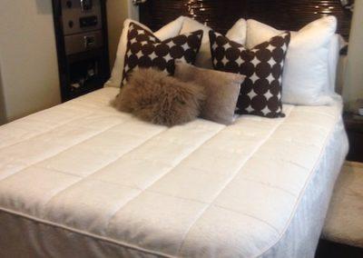 Carver C52 Master Bedding