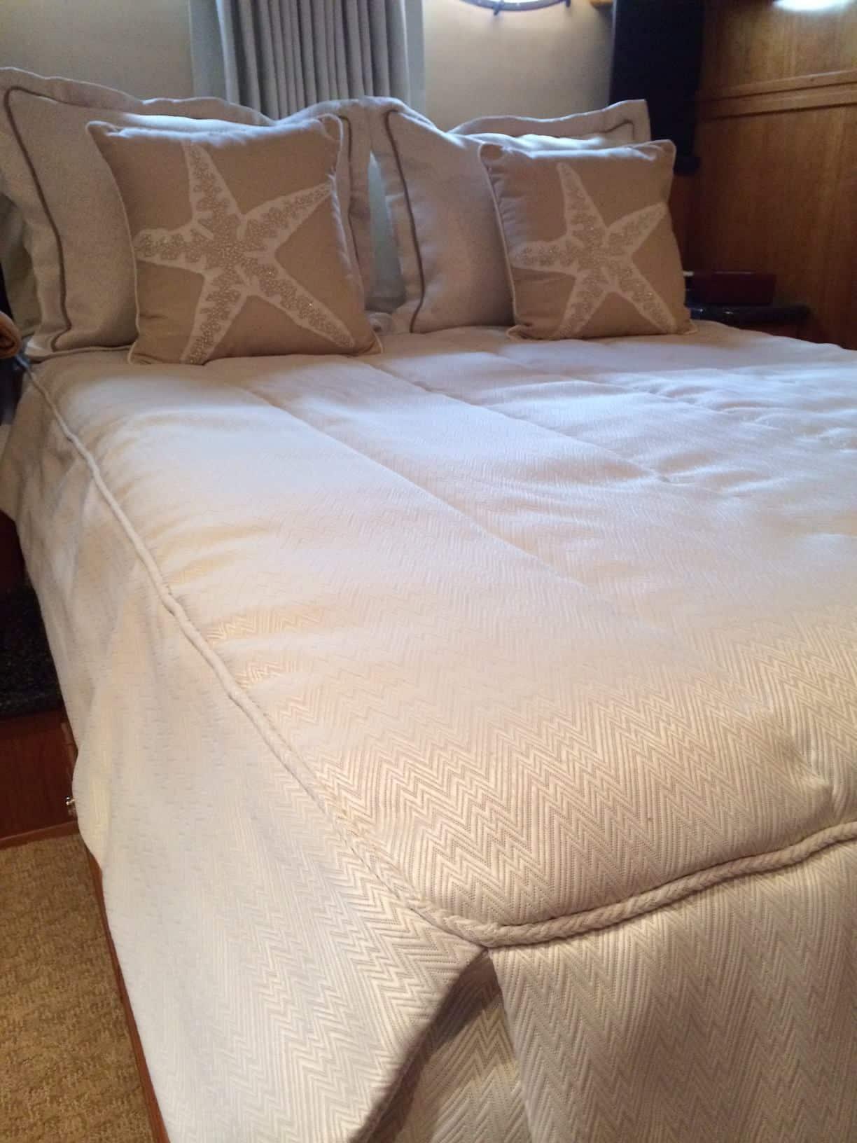 Carver Master Bedding