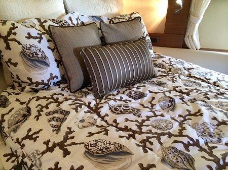Custom Azimut Bedding