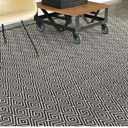 Diamond Black Ivory Indoor Outdoor Rug 2
