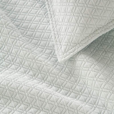 Diamond Matelasse Coverlet