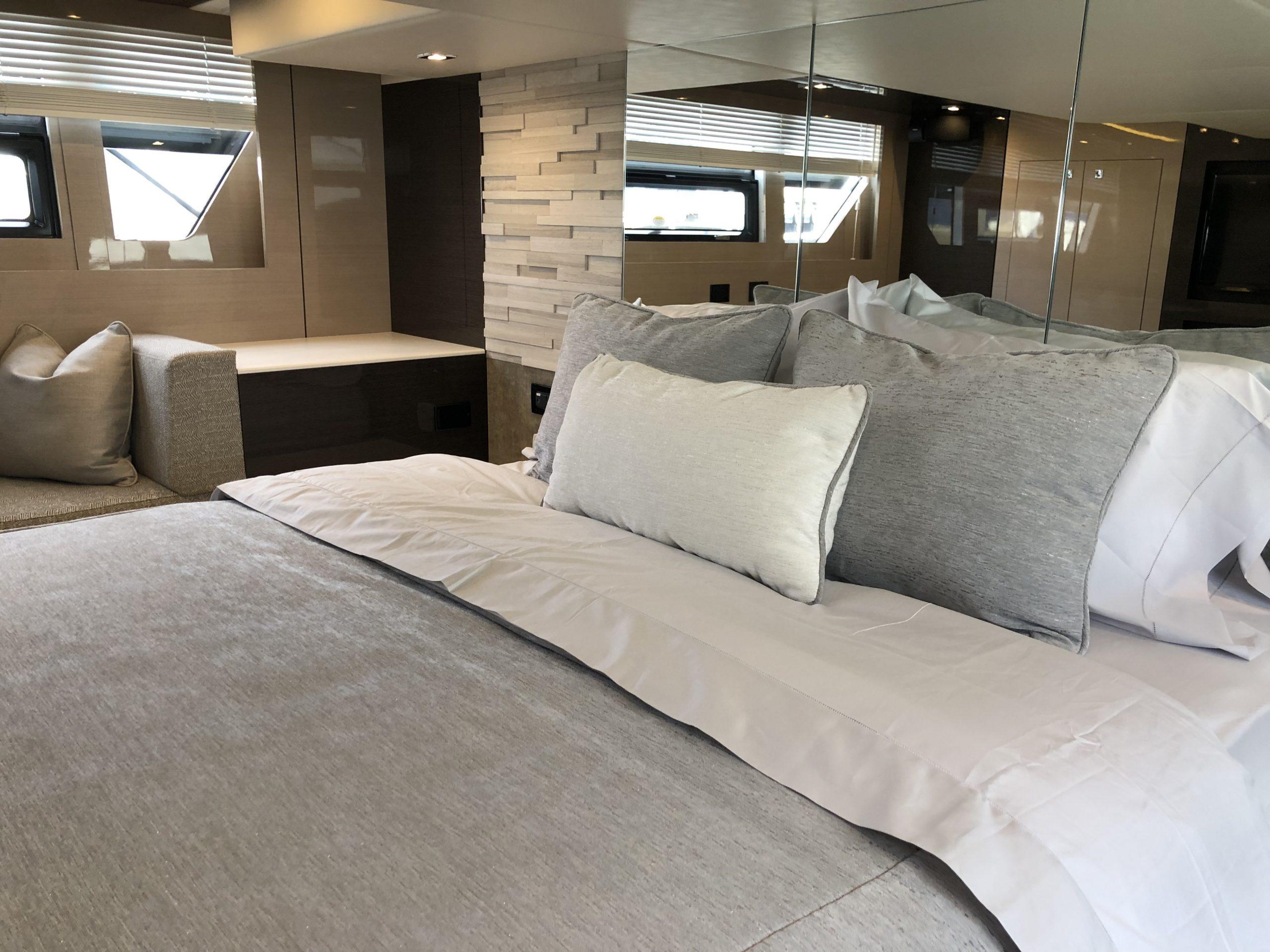 Cruisers 54 Master Pillows