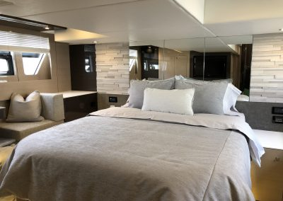 2019 Cruisters 54 Cantius master duvet and Sferra sheets