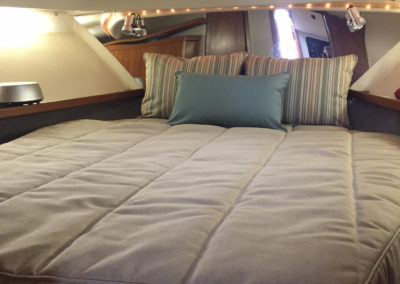 Yacht Bedding Grey with Striped Pillows