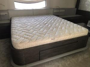 """Pershing 82 9"""" Pillow Top Mattress"""