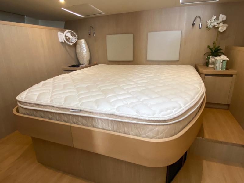 Aquila 44 Master bed