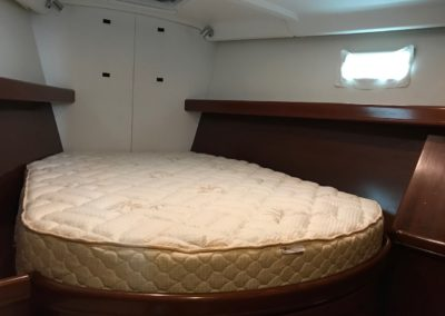 Beneteau 473 custom latex mattress