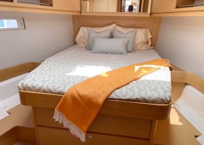 Dufour 460 bed