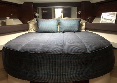 2011 Meridian 441 bedding