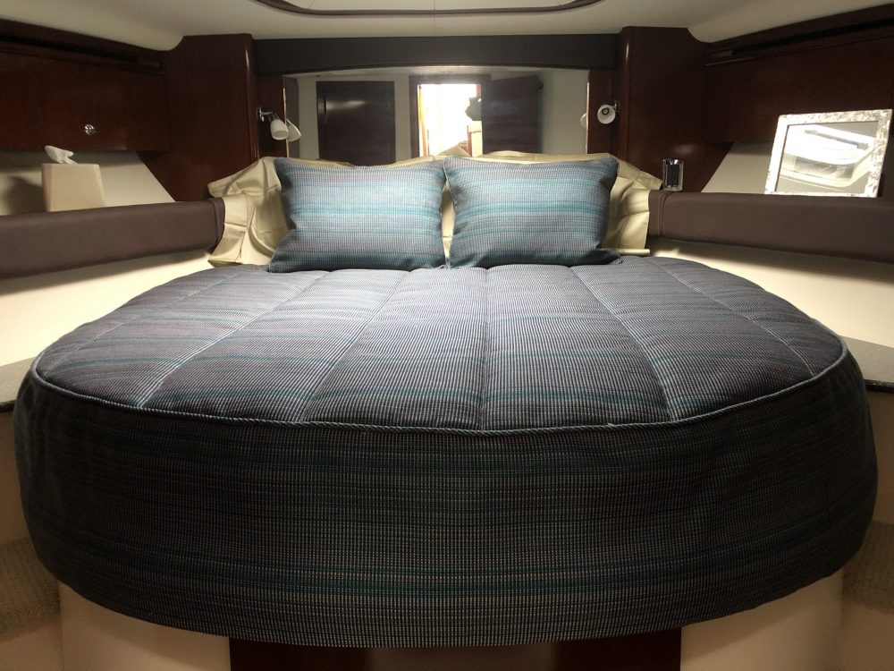 2011 Meridian 441 bedding