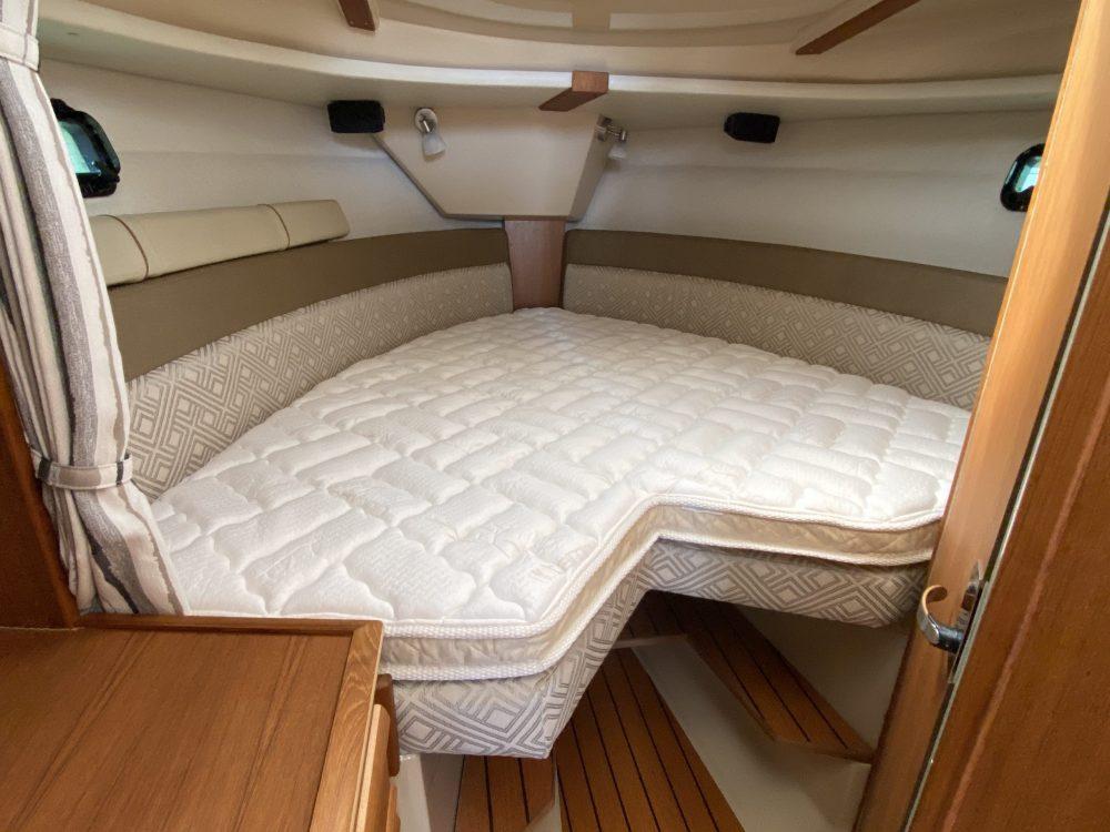 r27 ranger tug topper sleep system