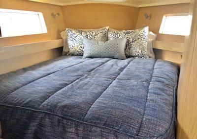 Oceanis 41.1 Master Bedding