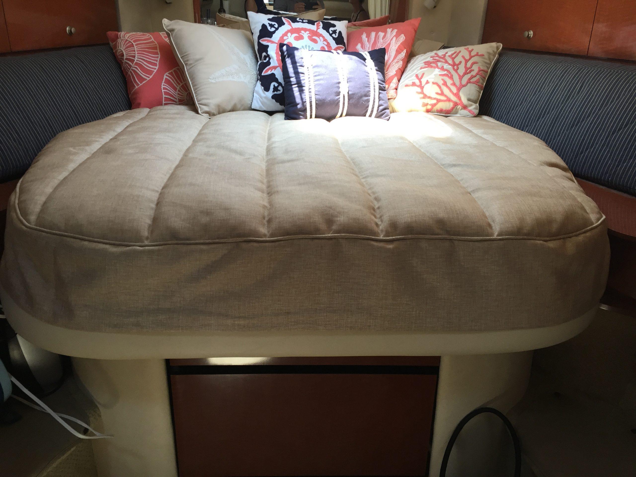 Sea Ray 320 Sundancer Bedding