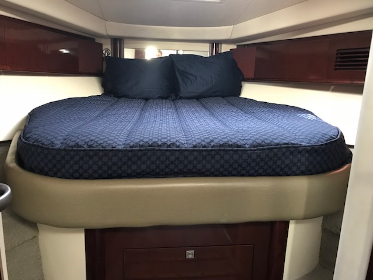 Classic Bedding For A Sea Ray 400 Sundancer Yachtbedding Com