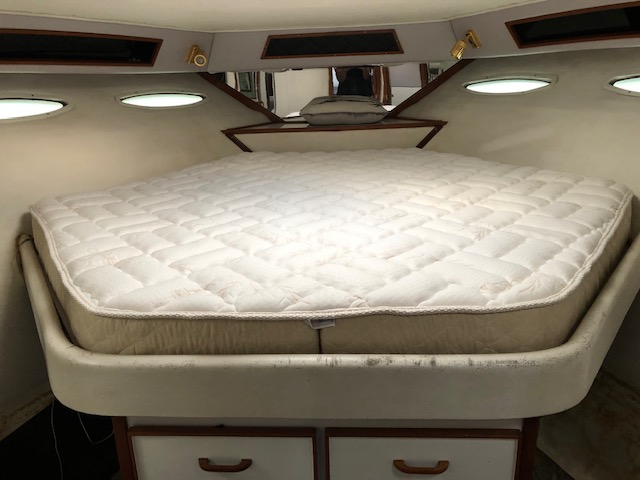 Sea Ray 46 Express Cruiser Mattress and Bedding