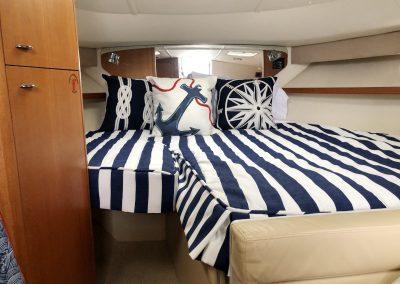 Tiara boat bed