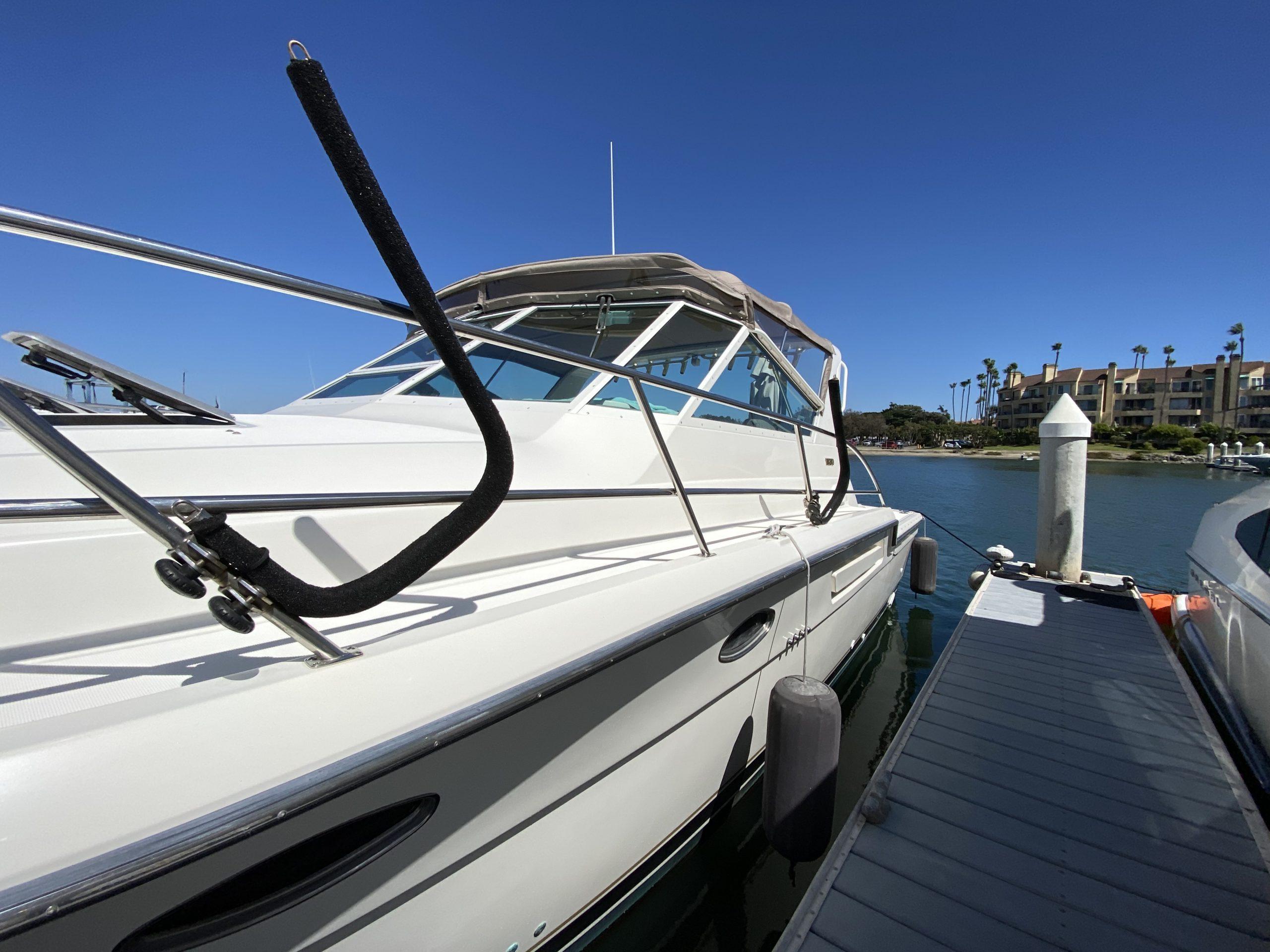 Tiara 3700 yacht