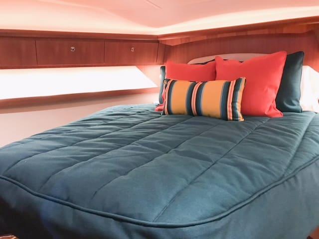 Tiara 4200 Open Bedding
