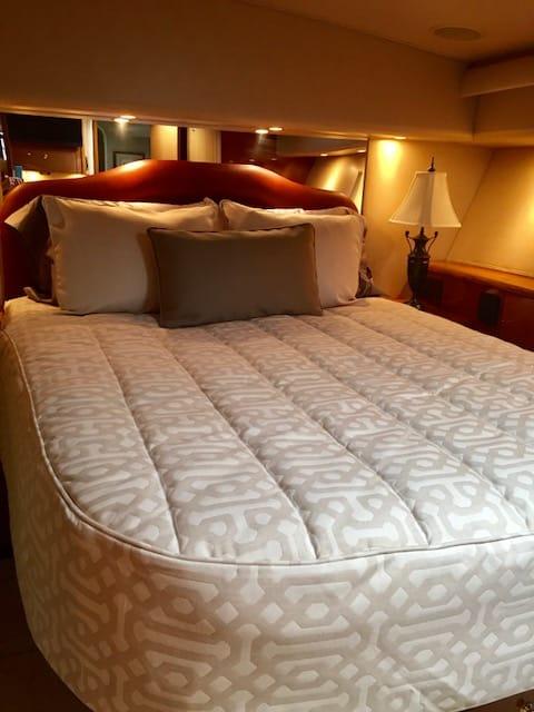 Custom Viking Yachts Mattress and Bedding